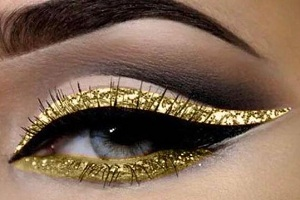 Image for 3 Easy Ways to Create Glitter Eye Makeup with ID of: 4881400